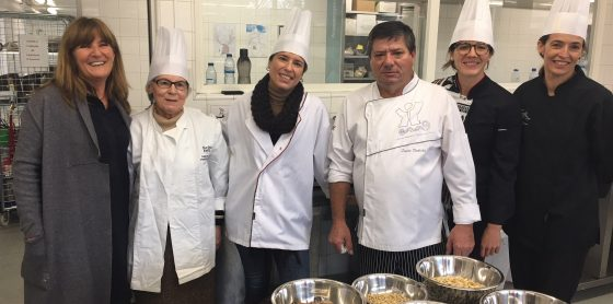 """Elisabete Jacinto prepara """"Melhor Bolo-Rei do Mundo"""""""